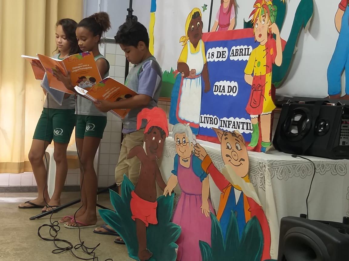UNIDADES EDUCACIONAIS PROMOVEM MOVIMENTO LITERÁRIO