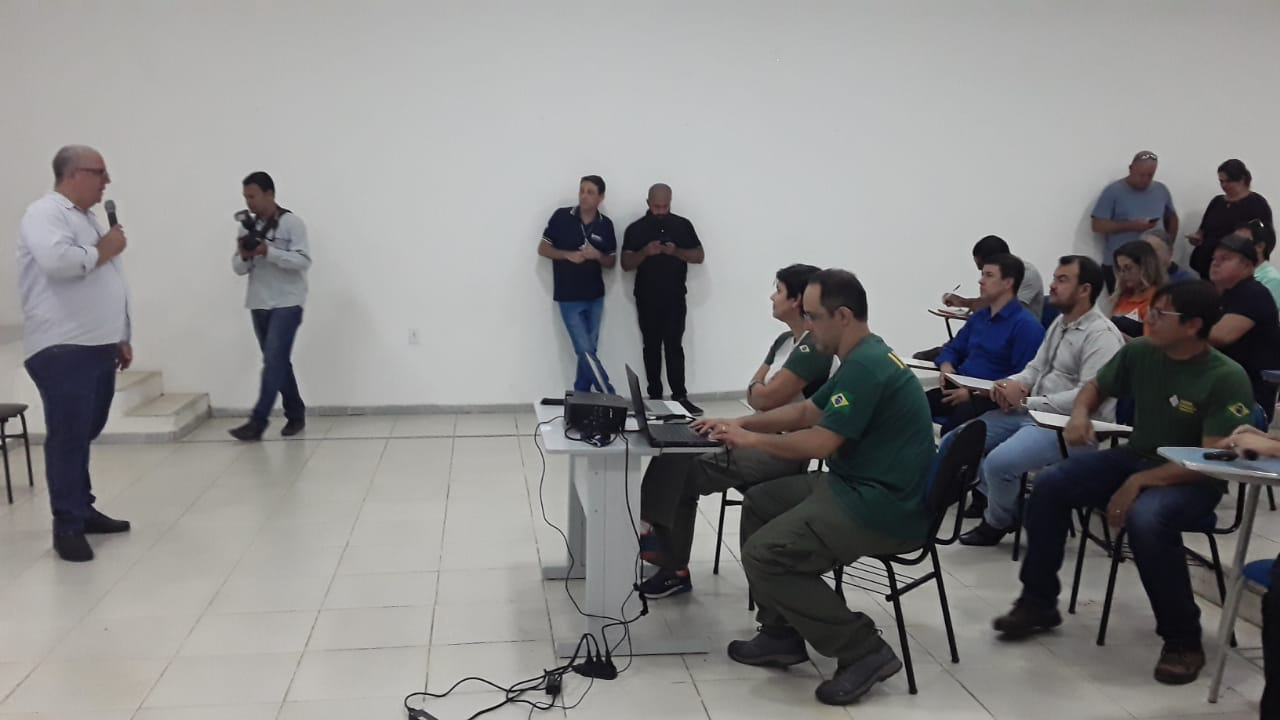 CAPACITAÇÃO PREPARA MUNICÍPIO EM CASO DE CHEGADA DE ÓLEO NO LITORAL