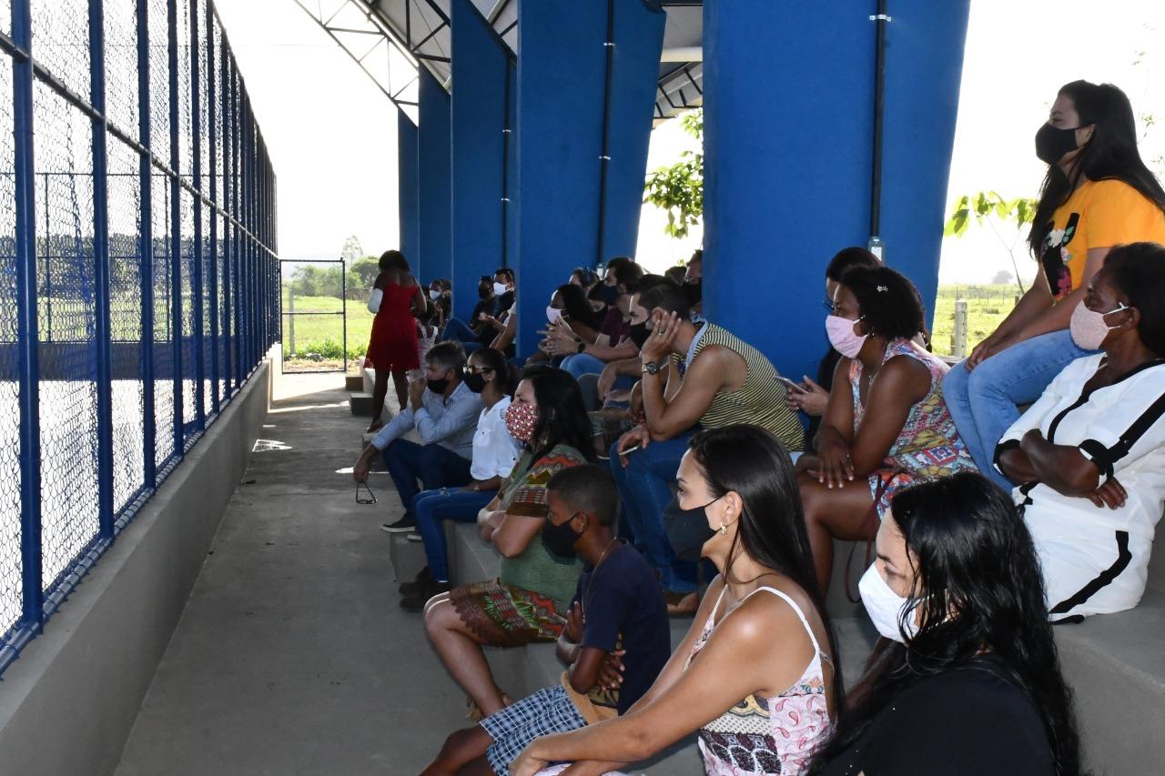 PREFEITURA DE SÃO MATEUS ENTREGA MAIS UMA QUADRA POLIESPORTIVA, DESSA VEZ PARA A REGIÃO DO CÓRREGO SECO