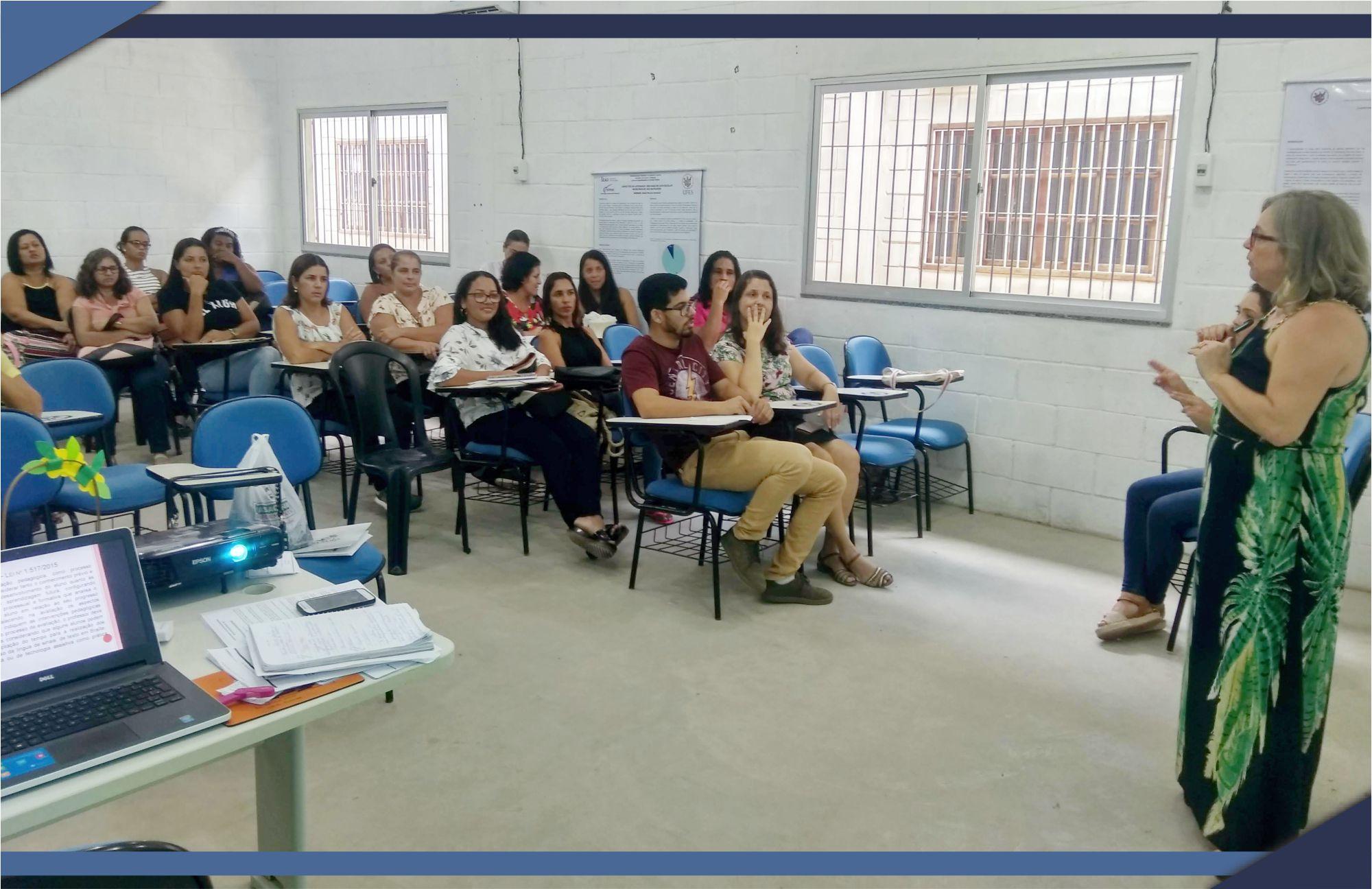 PREFEITURA REALIZA REUNIÃO COM PROFISSIONAIS DA EDUCAÇÃO ESPECIAL