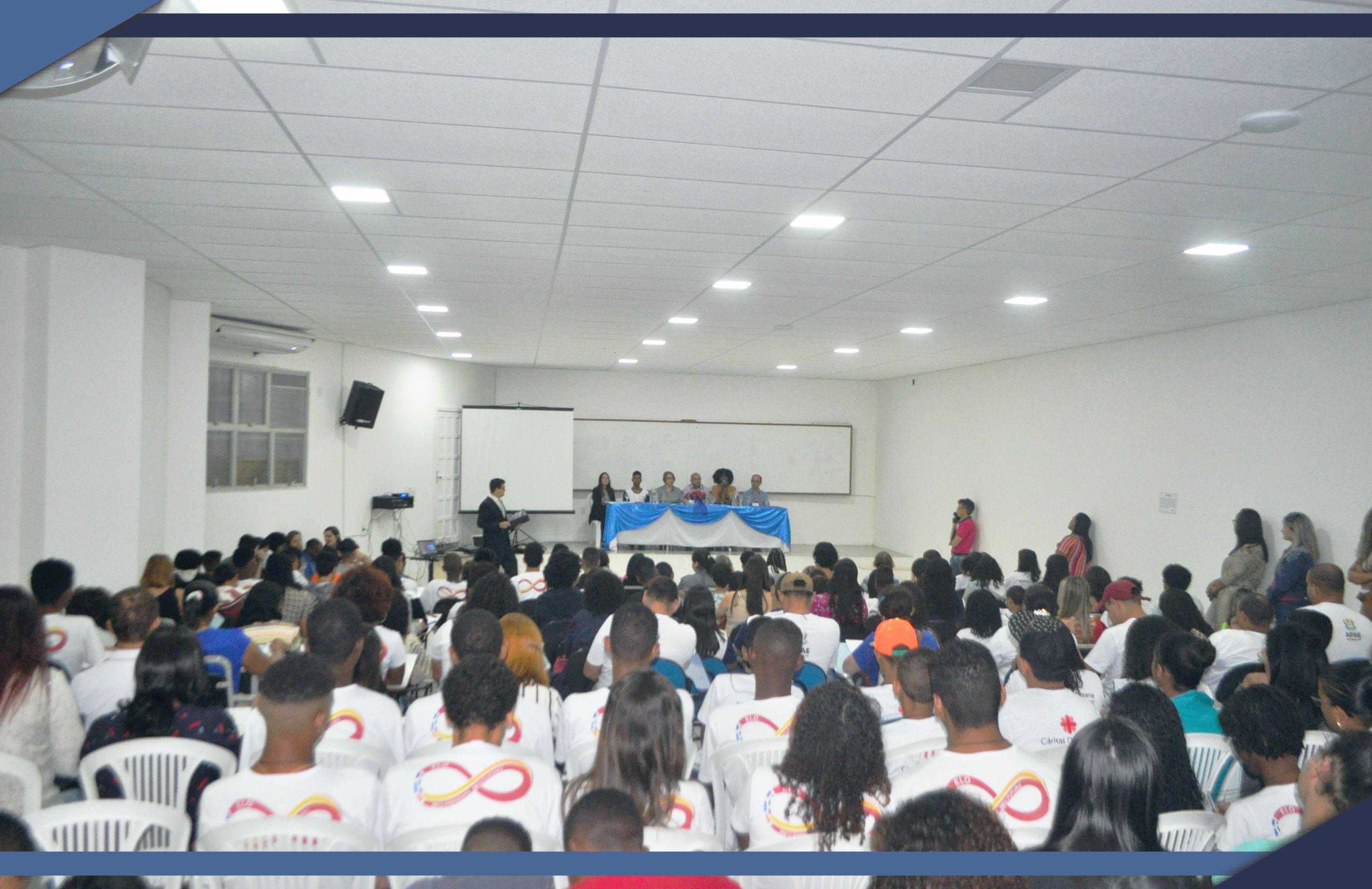 Conferência discute políticas públicas para crianças e adolescentes