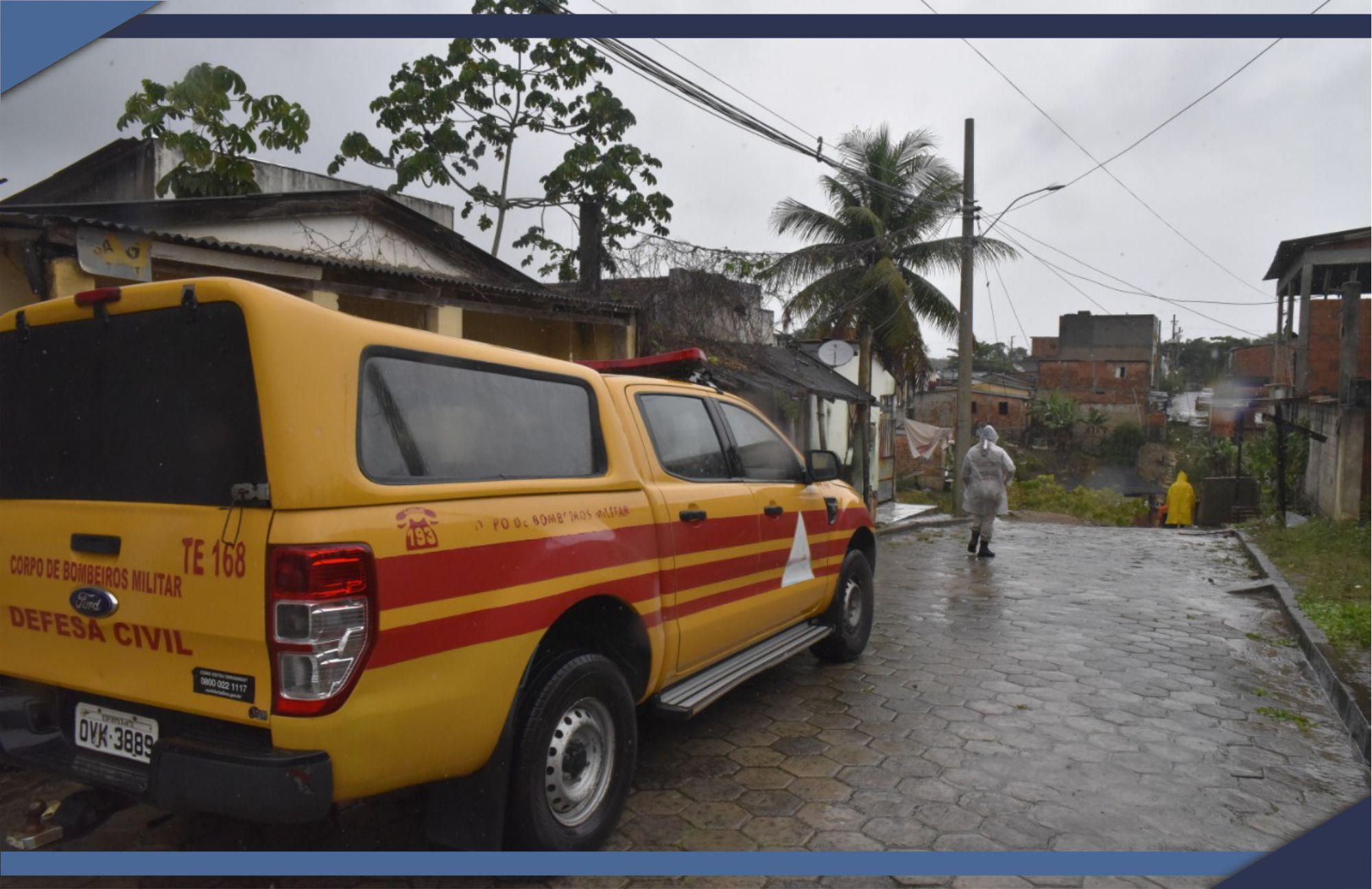 DEFESA CIVIL ATENDE FAMÍLIAS EM SITUAÇÃO DE RISCO EM SÃO MATEUS