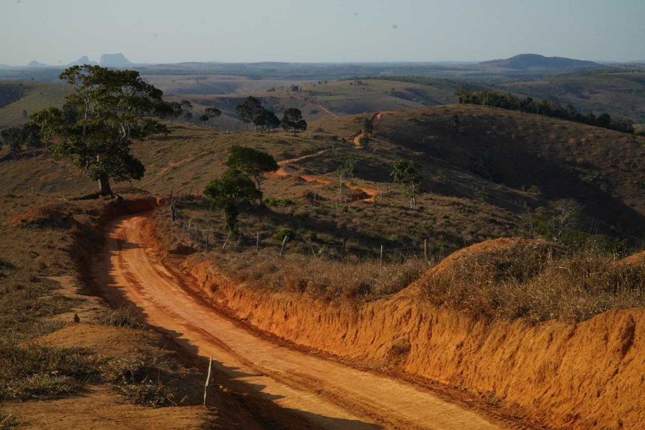 PREFEITURA DE SÃO MATEUS FAZ MANUTENÇÃO DE ESTRADAS RURAIS EM TODAS AS REGIÕES DO MUNICÍPIO