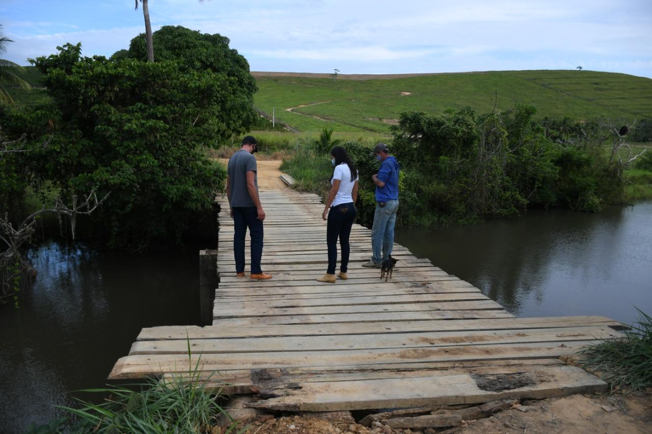 DANIEL SANTANA ARTICULA PONTE DEFINITIVA SOBRE O RIO BARRA SECA: SOLUÇÃO CONCRETA QUE BENEFICIA DOIS MUNICÍPIOS