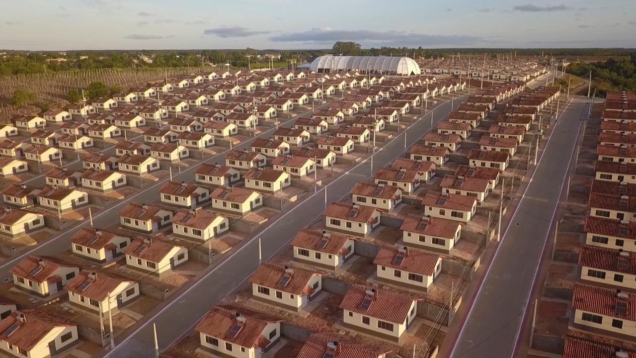 ASSINADOS OS CONTRATOS DAS CASAS DO AROEIRA: PRÓXIMO PASSO, ENTREGA DAS CHAVES