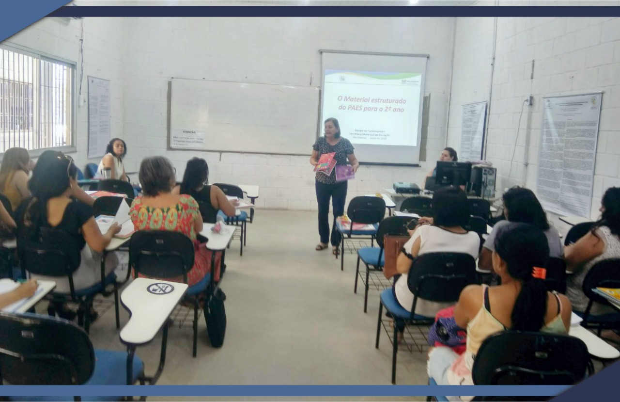 REUNIÃO COM PROFESSORES PARA APRESENTAR MATERIAL DO PAES